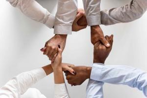 trust-holding-hands